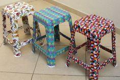 Como renovar seus banquinhos de plástico com tecido - Adorei !!