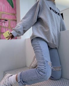 giving me prime outfit inspo. Tag a friend who loves Emma chamberlain 💕‼️ giving me prime outfit inspo. Tag a friend who loves Emma chamberlain 💕‼️ Skater Girl Outfits, Teen Fashion Outfits, Edgy Outfits, Mode Outfits, Retro Outfits, Classy Outfits, Look Fashion, Vintage Outfits, Edgy School Outfits