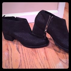 """Beautiful black boots Purchased from urban outfitters. Light scuff marks but nothing visible unless someone is two inches away from your feet. I love them! Super comfortable but I could just never figure out the right outfit for them :/ 2"""" heel. Urban Outfitters Shoes Ankle Boots & Booties"""
