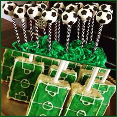 Soccer Cake Pops                                                       …
