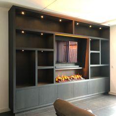 Tv wandkast van zwart eiken met geïntegreerde sfeerhaard en led verlichting. The Unit, Modern, Projects, Furniture, Home Decor, Log Projects, Trendy Tree, Blue Prints, Decoration Home