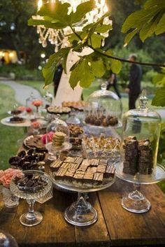 Dessert Bar... Yummy idea for party. Dessert Bar Wedding, Wedding Desserts, Dessert Bars, Dessert Buffet, Candy Buffet, Wedding Cakes, Wedding Decorations, Wedding Reception, Wedding Picnic