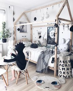 50 Cozy Scandinavian Kids Rooms Designs Ideas 2019 The post 50 Cozy Scandinavian Kids Rooms Designs Ideas 2019 appeared first on Nursery Diy. Trendy Bedroom, Bedroom Sets, Bedroom Decor, Scandinavian Kids Rooms, Scandinavian Style, Kids Bedroom Furniture, Black Furniture, Cheap Furniture, Lego Bedroom