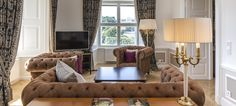 Destinations - hotels, guide et activites Kaiser Franz Josef, Top Hotels, Oversized Mirror, Couch, Bed, Furniture, Vienna Austria, Home Decor, Living Room