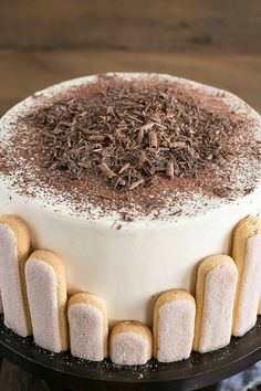Tiramisu Cake turns your favourite Italian dessert into a delicious and decadent layer cake. Coffee soaked layers paired with mascarpone buttercream. Bolo Tiramisu, Tiramisu Recipe, Tiramisu Dessert, Italian Cake, Italian Desserts, Pumpkin Dessert, Pumpkin Cheesecake, Food Cakes, Buttercream Cupcakes