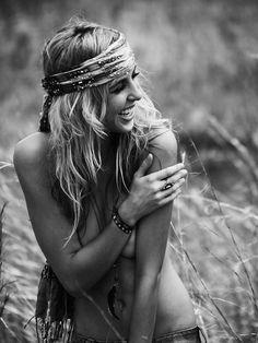 ☮ American Hippie Bohéme Boho Style ☮ B&W