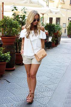 Casual summer fashion  //  Neutrals