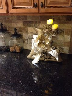 Mocha onyx Travertine with Black Galaxy Granite