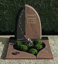Cemetery Headstones, Cemetery Art, Cemetary Decorations, Tombstone Designs, Steinmetz, Famous Graves, Effigy, Grave Memorials, Site Design