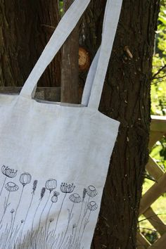 I adore this tote by andrella. I love her entire blog.