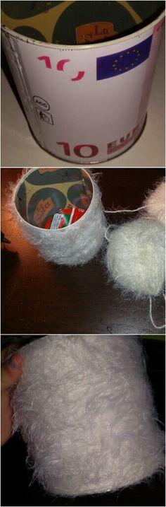 Vaso con lana (riciclo salvadanaio)