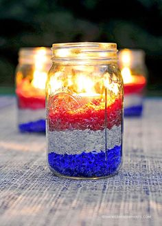 Easy DIY Red White and Blue Party Decoration. Just use food coloring and rice! Perfect for Memorial Day parties or bar-b-ques! Usa Party, Blue Party Decorations, 4th Of July Decorations, Diy Decoration, Blue Centerpieces, Centerpiece Ideas, Sports Centerpieces, Retirement Decorations, Military Decorations