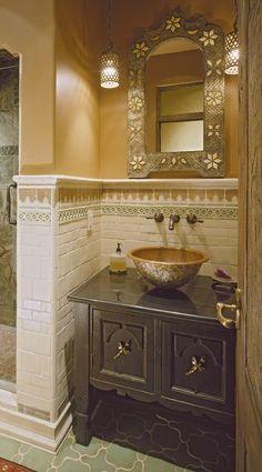 Vanity Cabinet : Powder Room