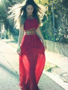 monicasors Outfit  Vestido Skarlett Detalles y dónde comprar en mi blog Mes Voyages à Paris  Verano 2012. Combinar Vestido Rojo Granate Skarlett, Cómo vestirse y combinar según monicasors el 30-5-2012