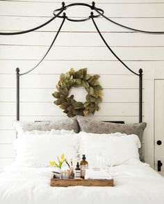 Would make a cute guest room Guest Room Decor, Bedroom Decor, Bedroom Furniture, Bedroom Ideas, Hutch Makeover, Magnolia Wreath, Magnolia Leaves, Ivy House, Cozy Cottage