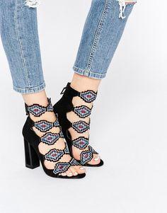Bild 1 von Kat Maconie – Thea – Schwarze Sandalen mit bunten Stickereien und hohem Absatz