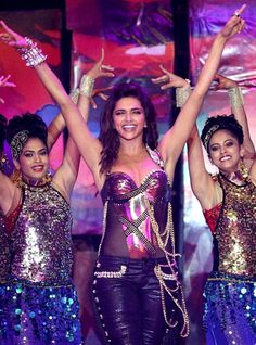 Deepika For you in New Yr Bash Inside Bollywood 2014: We all claimed that will Deepika Padukone can be organizing a celebration to be able to rejoice their phenomenal success in 2010 using consecut…