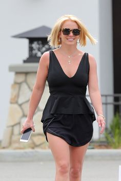 Britney Spears chopped off her hair!