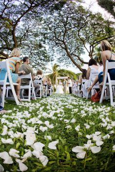 Olowalu Plantation House wedding ceremony. Photographer: Monique Feil Coordinator: Couture Events (Maui) www.coutureeventsmaui.com