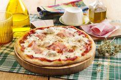 Recette Pizza à la mozzarella, ricotta et jambon