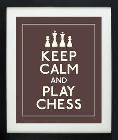 Me gusta jugar al ajedrez. Soy bueno en el ajedrez.