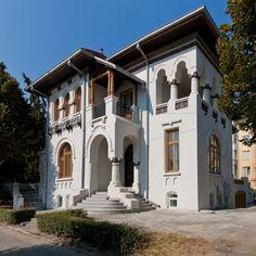 Classic Architecture, Islamic Architecture, Architecture Design, Patio Design, Exterior Design, Dream Home Design, House Design, Old Country Houses, Building Plans