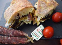 Pitta con frittata di Lucanica salsiccia stagionata Pitta, Frittata, Eat, Pies