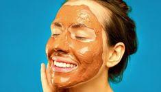 How To Make A Facial and Body Coffee Scrub At Home Light Auburn Hair, Diy Moisturizer, How To Apply Makeup, Applying Makeup, Lip Hydration, Diy Scrub, Body Makeup, Acne Prone Skin, Diy Skin Care