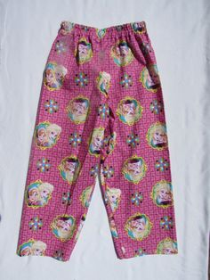 Pink Frozen pajama cotton pants by livenlovecreations on Etsy Cotton Pyjamas, Cotton Pants, Pajamas, Pajama Bottoms, Pajama Pants, Boy Or Girl, Frozen, Trending Outfits, Boys