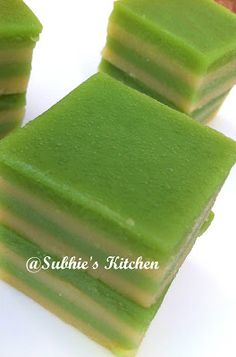Kuih lapis is one of popular snacks in Malaysian and Singapore.They are beautiful withcolourfulpeel off layers.Easily can be made a...