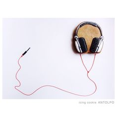 headphones cookie // antolpo