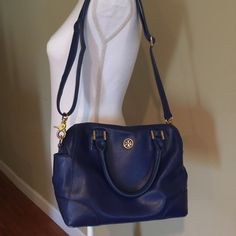 Final priceTory burch blue handbag Beautiful spring-summer joy! I love this purse but i need to sell it. (Used)- it has a few marks. The inside is pretty dirty, but the outside looks very good. Small size Tory Burch Bags Satchels