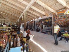 A Plaza Bibijagua, com o mesmo nome da praia que fica próxima, é um ótimo lugar para comprar artigos artesanais com excelentes preços. Há peças em madeira, colares, quadros, bolsas, bebidas, charutos etc. O preço lá é muito melhor que os das lojas dos hotéis ou do aeroporto, mas é preciso considerar que para ir até lá você precisará de um táxi, e as corridas são bem caras em Punta Cana. Para quem quer variedade e bom preço, uma passada nesse lugar é fundamental.