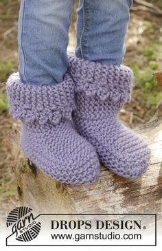 Knitted children slippers in garter st with picot edge in DROPS Eskimo. Size 20-34