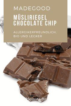 Werbung - Heute stelle ich euch den MadeGood Müsliriegel Chocolate Chip vor, der auch für Allergiker geeignet ist. #bio #gentechnikfrei #glutenfrei #granolariegel #koscher #laktosefrei #MadeGood #müsliriegel #vegan Chocolate Chip Cookies, Blog, Chips, Candy, Vegan, Lifestyle, Gluten Free Oatmeal, Foods, Health And Fitness