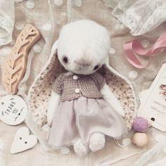 75 вподобань, 6 коментарів – Teddybear Artist (@my_sweet_teddy) в Instagram: «My tender little Pearl has found her loving mummy! Happy for her)) #teddybear #teddy #teddybunny…»