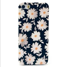 ✨Daisy iPhone 6 Plus Case✨ ✨BRAND NEW✨ Daisy iPhone 6 PLUS Case ▪️Give your phone some personality & make a statement with this piece   ▪️For any questions, please don't hesitate to ask☺️ ▪️Active Posher ▪️For more adorable phone cases, be sure to check out the rest of my closet✨ ▪️OH! And did I mention any ✌️ bundle items are 10% off? ☺️ Accessories Phone Cases