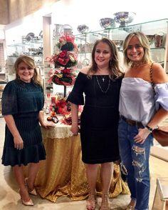 Prestigiando as amigas queridas @luizianecavalcantef é @romcynekita! ❤️Todas as mesas estão lindas! #andreafialho #nataldobem2016
