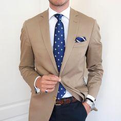 men s suits for women Gents Fashion, Mens Fashion Suits, Mens Suits, Blazer Outfits Men, Stylish Mens Outfits, Men's Business Outfits, Traje Casual, Suit Combinations, Suit And Tie