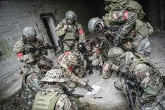 #airsoftjatek #airsoftgame #airsoft #softair #airsoftjátékszervezés #battle #cqb #fight #csata #csapatepites #cegesbuli #budapest #hungary #havefun #paintball #harc #játék #csapat #csapatépítő #geropeterphotography #gerő Airsoft, Paintball, Budapest, Master Chief, Combat Boots, Army, Compost, Fictional Characters, Gi Joe