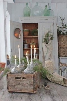 Save now rustic shabby chic home Shabby Chic Christmas Decorations, Rustic Christmas, Holiday Decor, Christmas Christmas, Natural Christmas, Christmas Recipes, Christmas Ideas, Christmas Crafts, Shabby Chic Homes