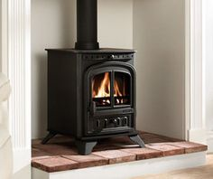 Aarrow Sherborne Compact Multifuel / Woodburning Stove - All Stoves - Stoves Are Us Log Burner Fireplace, Home Fireplace, Wood Burner, Quarry Tiles, Multi Fuel Stove, Red Floor, Red Tiles, Hearth, Home Appliances