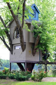 cool tree house/ I always wonder if these places have a bathroom.