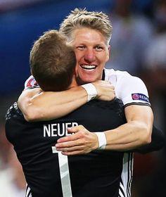 UEFA EURO 2016 | Deutschland gegen Ukraine: Boateng rettet unseren Auftaktsieg, Schweini trifft - Fussball - Bild.de