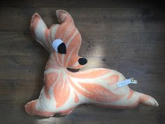 Bambi, gemaakt van oude wollen delen. Lengte 58cm. 19.50 exclusief verzendkosten. Binnenkort op yellowmarker.nl