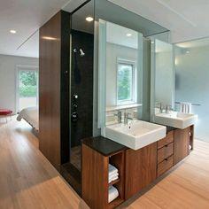 Imnovador concepto para el #baño que incorpora en un solo modulo #lavamanos #duchas y pieza de wc facilitando la integeacion con la habitación. Ve mas #ideas para #remodelar...