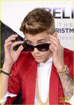 "Celeb Diary: Justin Bieber la premiera ""Believe"" in Los Angeles"
