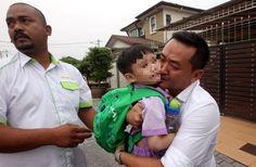 Budak Diculik Di Kajang Dipertemukan Semula Dengan Keluarga - http://malaysianreview.com/147441/budak-diculik-di-kajang-dipertemukan-semula-dengan-keluarga/