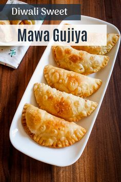 Holi or Diwali festivals are incomplete without this mawa gujiya recipe. I am sharing the step by step homemade gujiya recipe, so you can follow the pics and make it without fail. The outer layer is made from all purpose flour and stuffing is made from khoya or mawa, sugar and nuts. These traditional Indian sweet dumplings are crispy yet flaky in texture. Learn how to make gujiya easily at home by click the image.  #indiansweets #festivals Indian Dessert Recipes, Indian Sweets, Indian Snacks, Sweet Recipes, Snack Recipes, Cooking Recipes, Veg Momos, Veg Biryani, Jamun Recipe