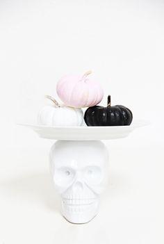 A Bubbly Life: DIY Skull Cake Plate